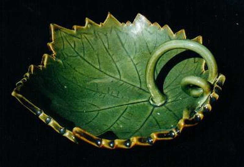 Grapeleaf dish